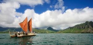1975年開始由Satawal的Mau老爹協助在夏威夷展開的大洋洲航海復振的Hokulea航行計畫。圖片來源:Polynesian Voyaging Society